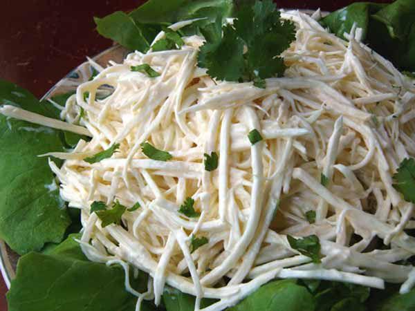 Сельдерей корневойы салатов